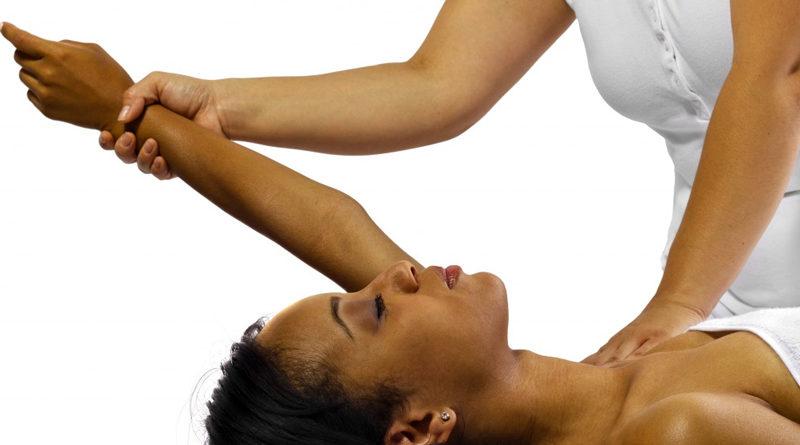 Kinésithérapeute et masseur : quelles sont les différences ?